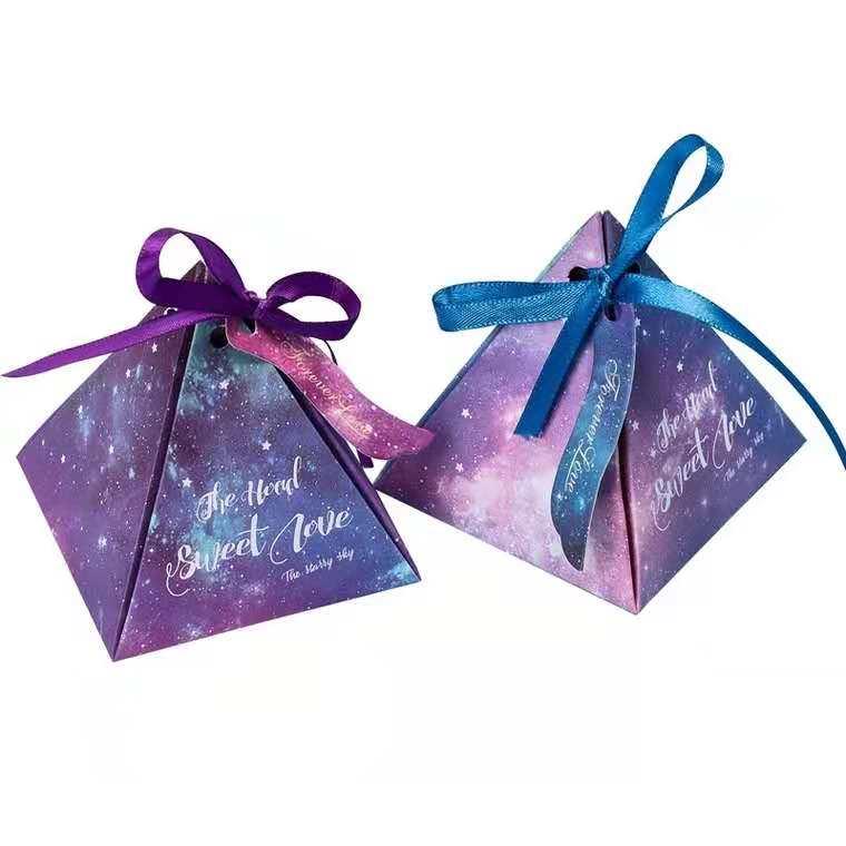星空三角形喜糖盒(含两颗费列罗)